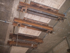 Clamping the RC Beams for Steel Foundation